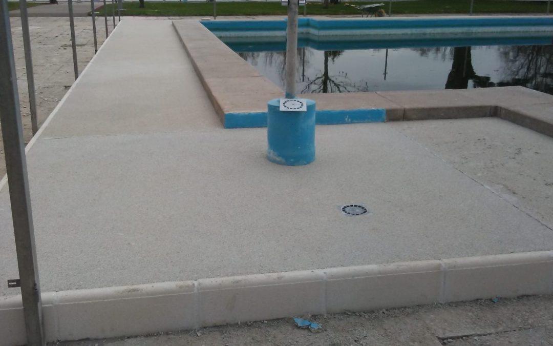 Playa de piscina en base aérea