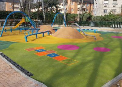 Parque infantil Alcobendas: Es una hormiga
