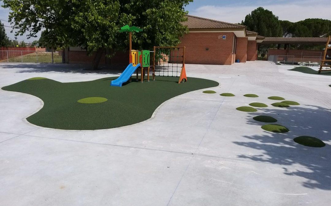 Parque infantil y pista deportiva Colegio Pinoalbar