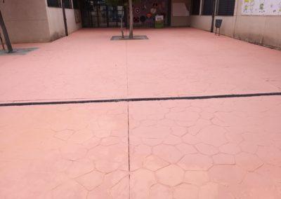 pavimento y arboles colegio villaverde barcelona