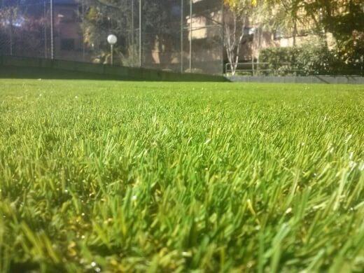 césped artificial campo de futbol