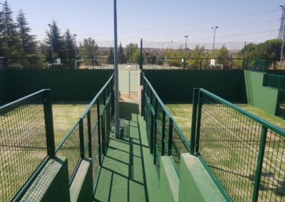 Reconstruccion pistas de padel Universidad Europea